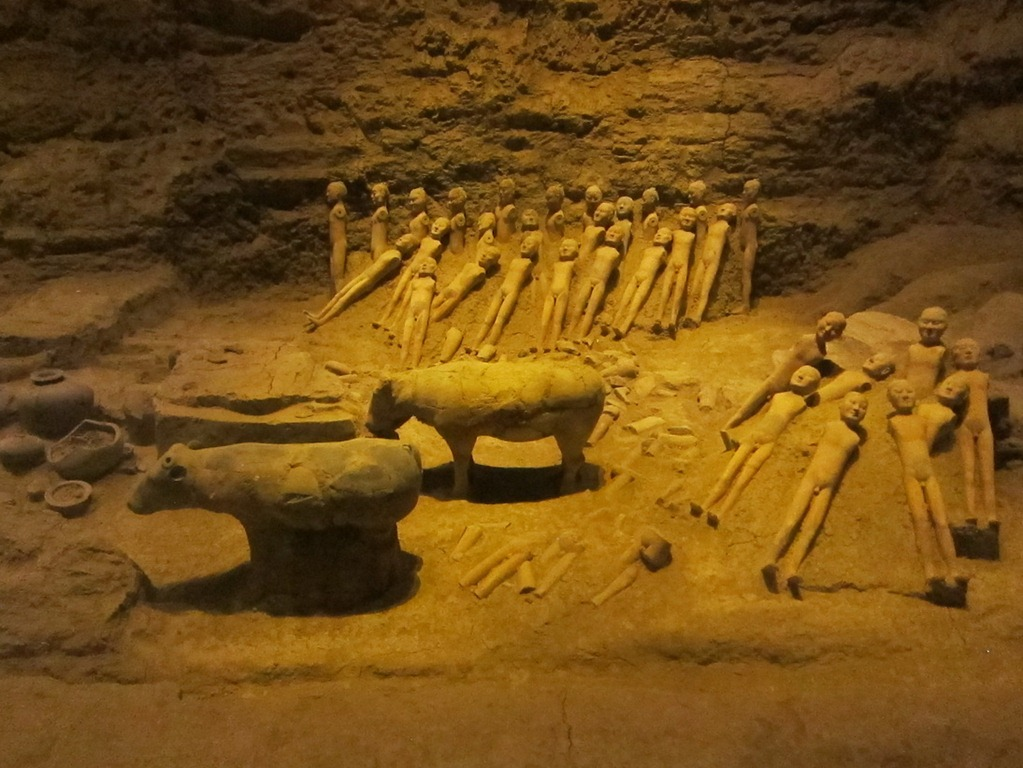 xian tomb Chinese terracotta warriors tomb horses china burial xian in 1975 a pit to the east  of the tomb of ch-in shih-huang-ti was excavated discovered inside were six.