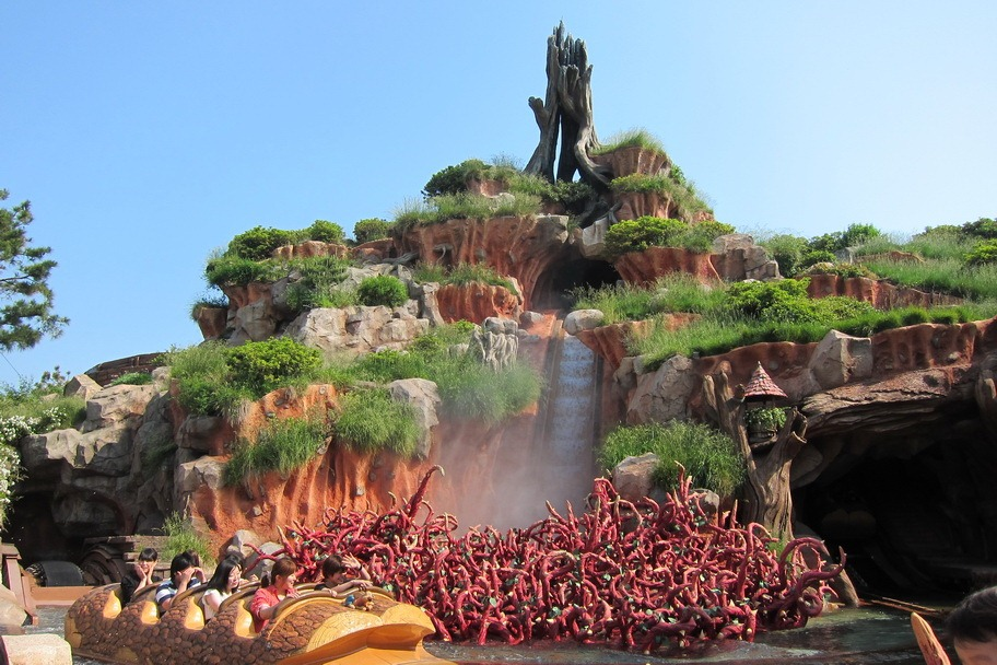 「Splash Mountain tokyo disneyland」の画像検索結果