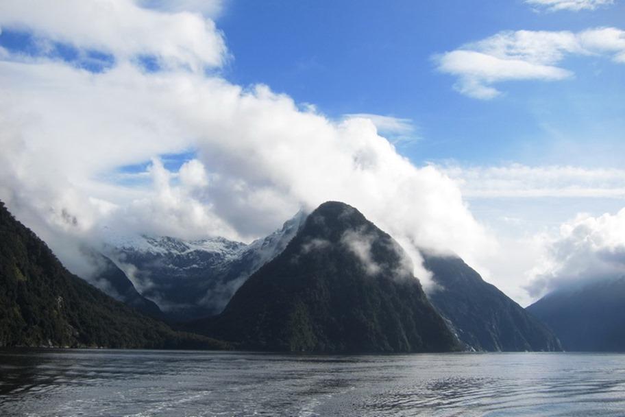 Milford Sound 24