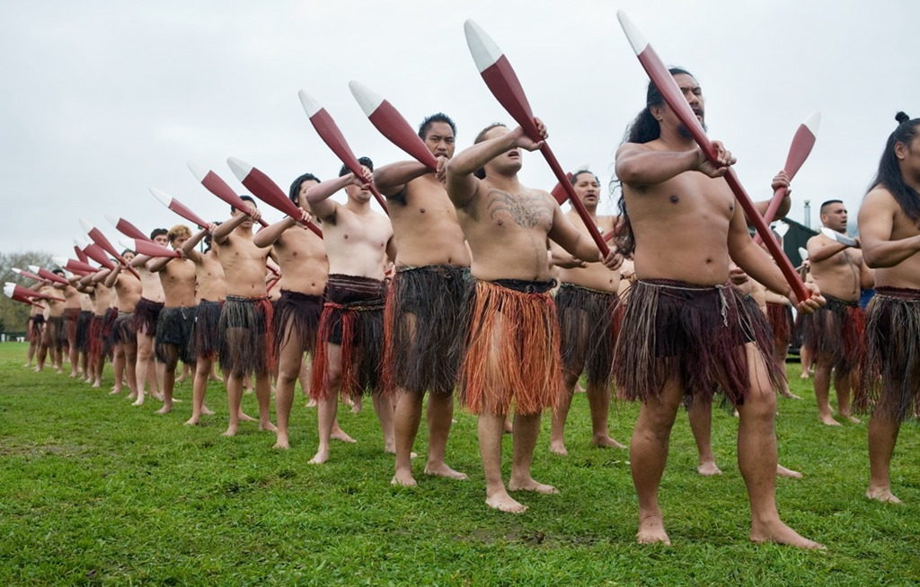 New Zealand Maori rowing ceremonial coreography