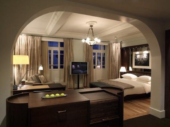istph-p006-guestroom